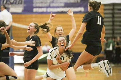 Crusaders Pull Off Season Sweep for Volleyball State Title